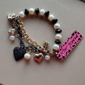 Nwt Betsey Johnson bracelet